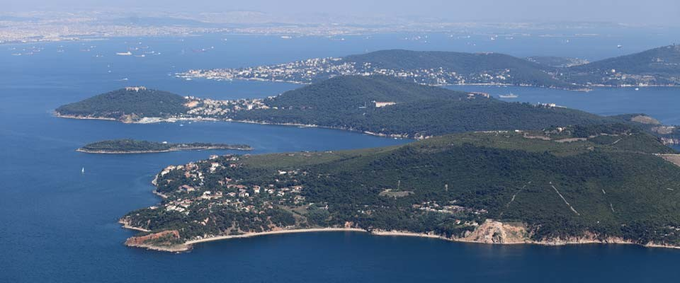 ShoresWhere to swim, how to reach to the shores, cleanness measures of the Marmara Sea?